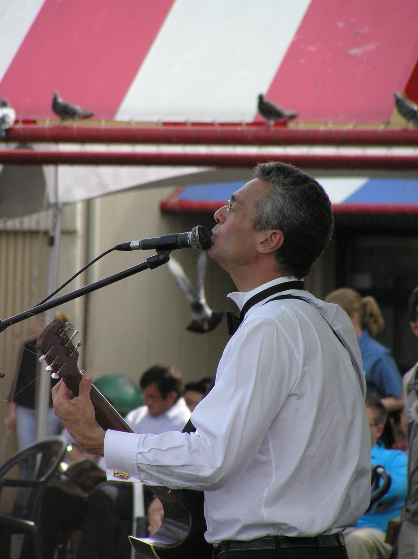 2-singer.JPG