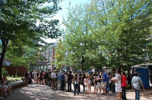 CL - Yaletown crowd