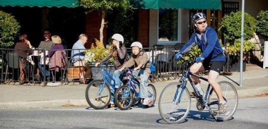 Bikennale cyclists