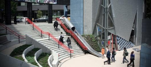 Transfer-accelerator-railway-station-slide-Utrecht-Overvecht