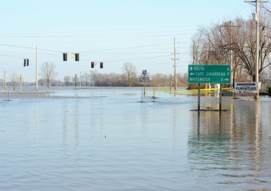 Dutchtown, MO-Areas remain under flood water. Jocelyn Augustino/FEMA