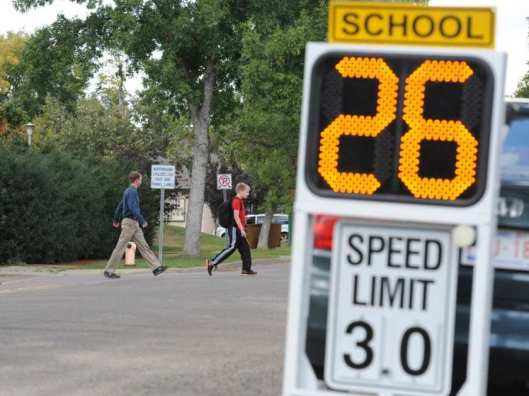 edmonton-ab-september-2-2014-edmontons-new-school-zone