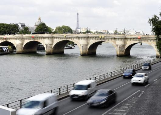477724446-vehicles-drive-past-the-river-seine-on-the-voie-georges-crop-promo-xlarge2