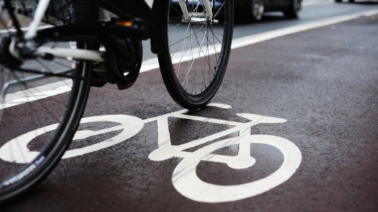 hi-bike-lane-istock