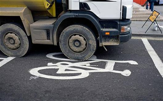 lorry-bike-lane_2742654b