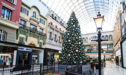 west-edmonton-mall-christmas