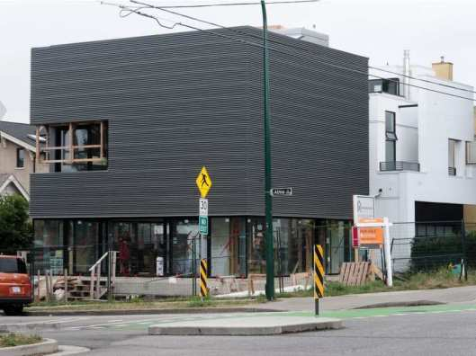 vancouver-bc-august-3-2016-a-house-under-construction1