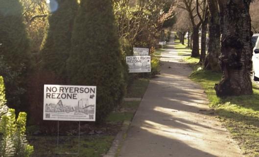 01-ryersonrezone-signs-700x4251