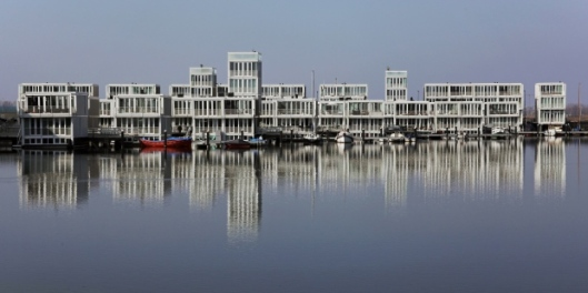 floating-homes-amsterdam