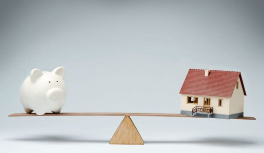 balance-piggy-bank-house