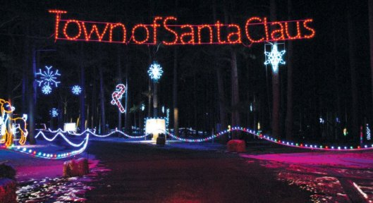 entrance-of-santa-claus-land-of-lights-700x382