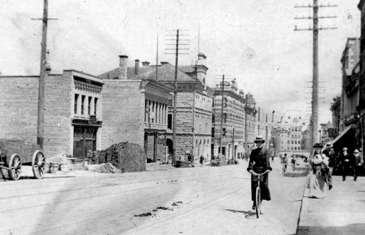 granville-street-looking-north-from-about-dunsmuir-street-1900-city-of-vancouver-archives