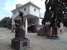 7133639-memorial_house_of_mother_teresa_skopje
