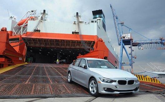 car-at-port